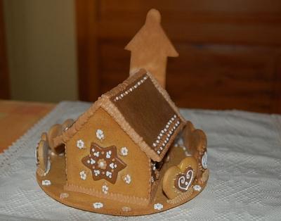 Nagy mézeskalács templom